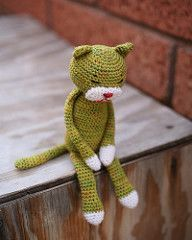 Free Pattern - The original amineko cats were usually made of light fingering yarn for softness.