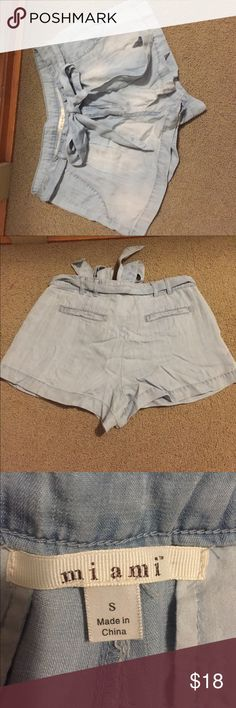 Francesa's denim shorts w/ bow tie belt S small Super cute shorts. Bought new from francesa's but never ended up wearing them. Size small. Fits sz 2-4 im guessing. NEW WITHOUT TAGS Francesca's Collections Shorts
