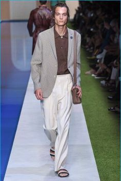 Fendi-2017-Spring-Summer-Mens-Runway-Collection-021