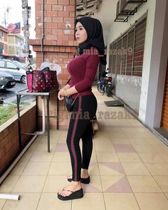 Image may contain: 1 person, standing, shoes and outdoor Hijab Teen, Girl Hijab, Big Fashion, Hijab Fashion, Bikini For Curves, Baggy Clothes, Turkish Fashion, Hijab Chic, Muslim Girls