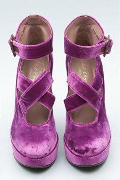 Shoes Fit? Wear the colour then: Pantone's Radiant Orchid 2014