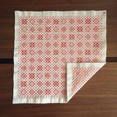 #刺し子#花ふきん#手づくり#手作り#手芸#ハンドメイド#handmade #sashiko #あやこの刺し子 #こぎん刺し#習い事#Sewing#embroidery#一目刺し#地刺し#stitching#stitch#手仕事#北欧#北欧雑貨#ランチョンマット#ワークショップ#刺し子教室#kaumo#刺繍