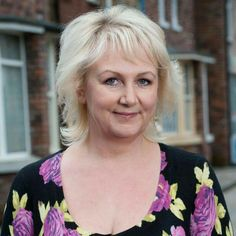 Born: September 1963 ~ Sue Cleaver is a British actress. She is best known for playing Eileen Grimshaw on the long-running ITV soap opera Coronation Street. British Actresses, Actors & Actresses, Coronation Street Cast, British Drama Series, Soap Stars, Tv Soap, It Cast, Lady, Soaps