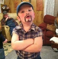 Larry the Cable Guy Hey Rose, I see next year's Halloween Costume. Uncle Paul has plenty O sleevless shirts. Hillbilly Costume, Redneck Costume, Hillbilly Party, Redneck Party, White Trash Wedding, White Trash Party, White Trash Costume, Family Halloween Costumes, Halloween 2017