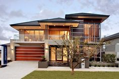 Modern Exterior Homes When you think of building a new home you are faced with two choices, build a traditional house or choose a modern house plan. Modern Home Design, Modern Exterior House Designs, Dream Home Design, Modern House Plans, Exterior Design, Modern Homes, Exterior Homes, Modern Garage, Modern Craftsman
