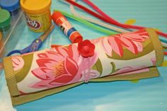 "Tutorial for an adorable *flat* pencil roll~ perfect gift idea.... after I ""practice"" on making one for myself, that is!"