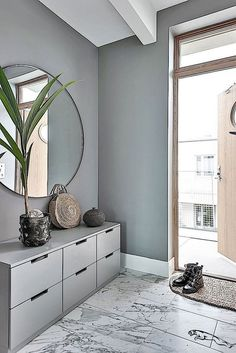 hallway decorating 647392515172230036 - Flur 55 Scandinavian Hallway To Work on Today – Home Decoration – Interior Design Ideas {hashtag} Source by jayceejaymes Bedroom Storage Ideas For Clothes, Bedroom Storage For Small Rooms, Design Hall, Flur Design, Wall Design, Decoration Design, Decor Interior Design, Ikea Interior, Home Interior