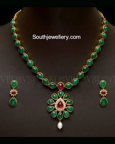 Emerald Necklace latest jewelry designs - Page 2 of 59 - Indian Jewellery Designs Diamond Necklace Set, Emerald Necklace, Emerald Jewelry, Gemstone Necklace, Gold Jewelry, Beaded Jewelry, Diamond Jewellery, Clover Necklace, Green Necklace