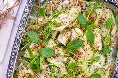 Asiatisk zucchini- och gurksallad Wine Recipes, Asian Recipes, Havana Beach, Penne, Zucchini, Tofu, Vegetable Pizza, Vegan Vegetarian, Vegetables