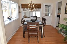 Plenty of space in the dining room