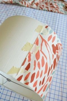 sarah m. dorsey designs: Covering a Lampshade with Fabric Tutorial Diy Craft Projects, Diy And Crafts, Craft Ideas, Diy Abat Jour, Cover Lampshade, Lampshades, Decorate Lampshade, Lampshade Ideas, Craft Gifts