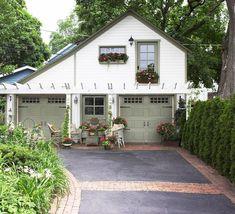 Cute garage!