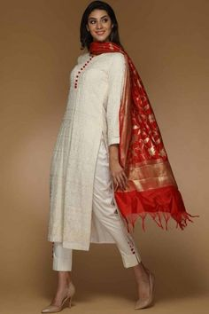 Buy off white georgette straight pant suit online - 2004 andaaz fashion. Silk Kurti Designs, Salwar Designs, Kurta Designs Women, Kurti Designs Party Wear, Blouse Designs, Designer Kurtis, Indian Designer Suits, Designer Dresses, Designer Salwar Suits