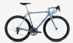 Cinelli Laser Mia - the classic Laser produced in carbon. Internal routing for electronic groupsets.
