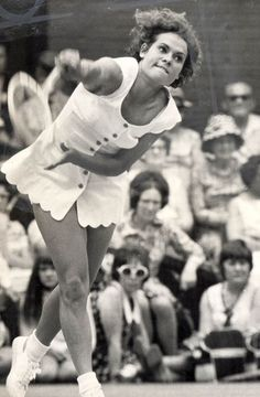 Goolagong at Wimbledon - why do people seem not to remember this wonderful woman and tennis player, she was fab! Tennis Rules, Tennis Gear, Sport Tennis, Play Tennis, Tennis Tips, Tennis Serve, Tennis Online, Tennis Photos, Tennis Legends