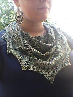 Mirabelle Texture Sampler Shawl by Zehava Jacobs | malabrigo Sock in Indiecita