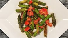 Spargel-Tomaten-Salat: Perfekte Beilage zum Grillen!