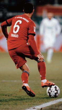 German Football Players, Robert Lewandowski, European Football, Munich, Soccer, Guys, Legends, Idol, Quote