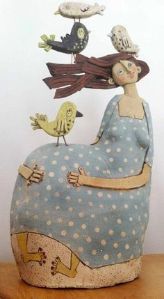 Sarah Saunders whimsical clay sculpture, lovely colorations and composition Sculpture Clay, Art Dolls, Ceramic Art, Folk Art, Sculpture Art, Ceramic Sculpture Figurative, Ceramics, Art, Bird Art