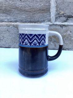Vintage Box, Vintage Lamps, Vintage Pottery, Vintage Ceramic, Pottery Mugs, Ceramic Pottery, Glazed Ceramic, Ceramic Vase, Blue And White Lamp