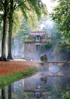Chateau de Courances, Louis XIII's Chateau & Renissance Water Gardens, built between 1622 and in Evry, France. English Manor, English Countryside, English House, Beautiful Homes, Beautiful Places, Beautiful Pictures, House Beautiful, Belle Photo, The Places Youll Go