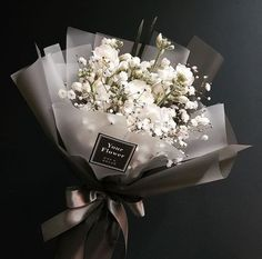 DIY Beautiful Floral Arrangements for Spring - Page 28 of 47 - Beautiful flowers, present ideas, decorations - Boquette Flowers, How To Wrap Flowers, Luxury Flowers, Planting Flowers, Beautiful Flowers, Spring Flowers, Bouquet Of Flowers, Flowers Bucket, Wedding Flowers
