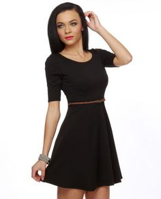 love this, but with like a red skinny belt.