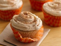 Snickerdoodle Cupcakes..must make these :)