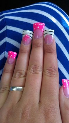 Strips and polka dot duck feet Camo Nails, Zebra Nails, Toe Nails, Coffin Nails, Zebra Nail Designs, Acrylic Nail Designs, Acrylic Nails, Gel Nail, Duck Flare Nails