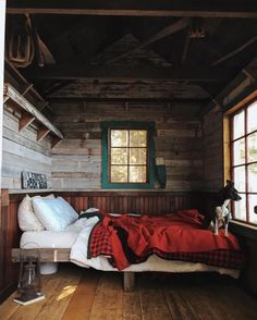 Sunday cabin. By @forestbound via @upknorth