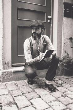 """Leaving a note a your doorstep"" - Michael Tzortzakis #vintage #oldschool #dapper #vintagestyle #demin #menstyle  #tattoo #ink #piercing #beard #barber #notes #greek #0711 #stuttgart"