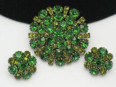 WEISS  1950's Emerald Peridot Rhinestone Brooch Pin & Earring SET