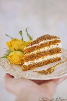 Dulce de Leche: Najšťavnatejšia mrkvová torta Sweets Cake, Cupcake Cakes, Cupcakes, Food For Eyes, Cake Recept, Torte Cake, Bread Cake, Carrot Cake, Food And Drink