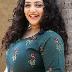 Indian Actress Hot Pics, Actress Photos, Indian Women Painting, Nithya Menen, Dehati Girl Photo, Beautiful Saree, Beautiful Birds, Sexy Older Women, India Beauty
