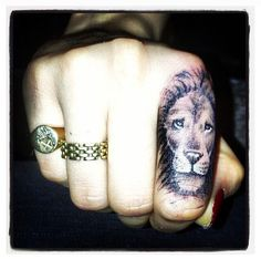 Im in love with this tattoo. lion