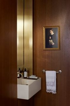 Rustic Bathroom Design Ideas With Wood For Home Contemporary Interior Design, Luxury Interior Design, Bathroom Interior Design, Interior Design Living Room, Interior Decorating, Modern Contemporary, Decorating Ideas, Interior Paint, Modern Luxury
