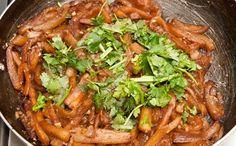 Existe un plato asiático de berenjenas con ajo muy delicioso que muchos han intentado preparar, pero nadie lo ha logrado. Decidí intentar hacerlo.