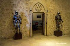 https://flic.kr/p/PuZKGn | Castillo de Segovia (7) | Hace unos días os hablé de mi niñez y de los cuentos de hadas… me faltó mencionar otras fantasías relacionadas sobre la vida en los castillos o mejor dicho mi vida en los castillos. Como muchos niños, pensaba que era un caballero medieval montado en un corcel blanco, cabalgando por las tierras de Castilla León.  No me digáis que vos no habéis sentido alguna vez lo mismo. En este reportaje muestro la parte interna del Castillo de Segovia…