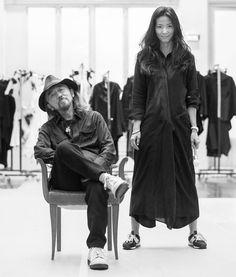 Yohji Yamamoto and daughter, Limi. 画像: 25/25【ヨウジヤマモト展覧会「モード写真」開催、限定ショップ同時オープン】
