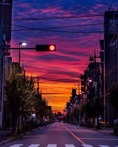 The best kind of sunset Urban Photography, Street Photography, Photography Music, Photography Gifts, Photography Backdrops, Japan Street, City Aesthetic, Anime Scenery, Beautiful Sky