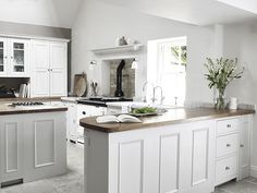 Neptune kitchen - my absolute fav! German Kitchen, Country Kitchen, New Kitchen, Kitchen Dining, Kitchen Decor, Chichester, Luxury Kitchens, Home Kitchens, Dream Kitchens