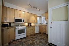 4 bed - 2 bath - 886.1 sq ft home For Sale at $459,900. MLS# E4002410. View 9937 - 84 Avenue & see 22 photos today!
