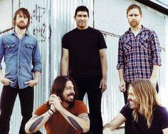 10 de los mejores covers interpretados por Foo Fighters