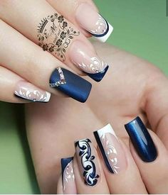 New Trendy Nail Art Designs For Long Nails For Girls - ladynailpolish Elegant Nail Art, Trendy Nail Art, Stylish Nails, Bling Nails, Modern Nails, Nagellack Trends, Nail Art Hacks, Creative Nails, Gorgeous Nails