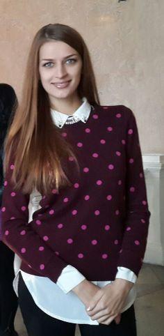 Marina Kliug  I like this style. jumper and shirt with collar
