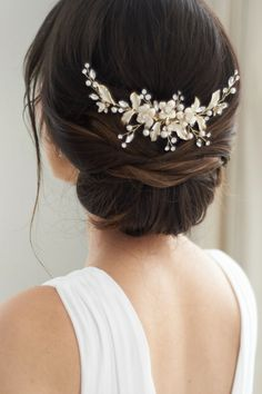 Petite Pearl & Floral Backpiece Bridal hair comb featuring a stunning nature-inspired design. Delicate leaf and floral accents shine with rhinestones and pearls making this piece truly elegant. Available Finish: Classic Silver and Light Gold. Bridal Comb, Hair Comb Wedding, Wedding Hair And Makeup, Pearl Bridal, Bridal Hair Combs, Wedding Hair Pieces, Asian Wedding Hair, Wedding Hair Brunette, Bridal Makeup