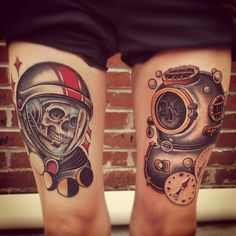 Yes but no. No skulls. Matching but opposite with elements around each one