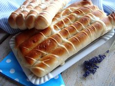 sós négyes Hungarian Recipes, Hungarian Food, Bread And Pastries, Savory Snacks, Hot Dog Buns, Scones, Bakery, Muffin, Food And Drink