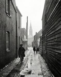 "Washington, D.C., or vicinity, 1925. ""Alleyway."" Harris & Ewing Collection glass negative, via Shorpy"