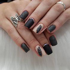Estimados, preciso de indicações para curso de traço livre. Marquem nos comentários, por favor, se tiverem sugestões 🙏🏻. Preciso! . .… Creative Nail Designs, Creative Nails, Nail Swag, Painted Nail Art, Natural Beauty Tips, Pretty Makeup, Mani Pedi, Nail Arts, Toe Nails